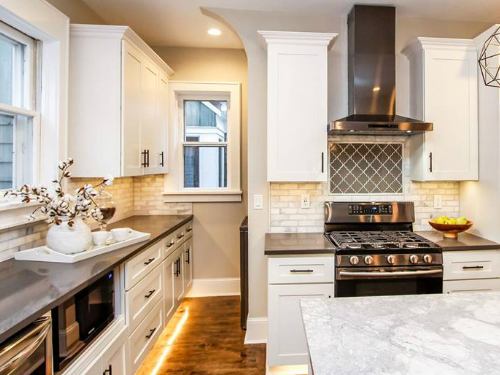 Marble and Glass backsplash Shorewood Mucciolo Tile